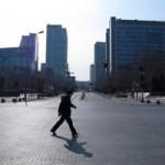 Пекин покинуло более половины жителей