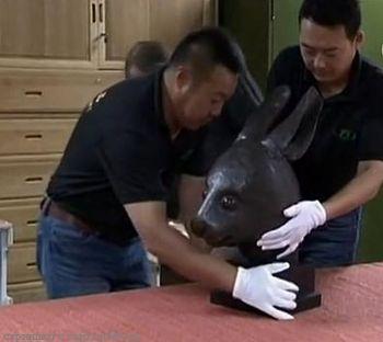 Отрезанные головы скульптур вернулись в Китай