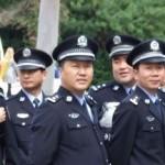Зачем полицейские надевают видеокамеру на свою форму