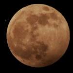 Китайский беспилотник маневрировал вокруг Луны