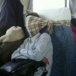 Самые смешные позы сна китайцев в поездах (фото)