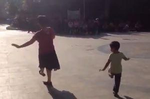танцы, внук, бабушка