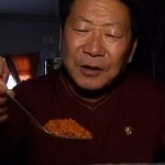 Мистер Жгучий перец из Китая не может жить без чили (видео)