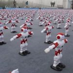 Флэшмоб танцующих роботов побил мировой рекорд (видео)
