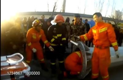 столб, китаец, пожарные,видео,