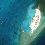 КНР строит гигантские острова в море под военные базы (видео)