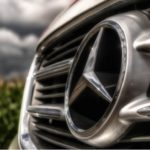 Mercedes-Benz в центре скандала из-за возмущения в соцсетях (видео)